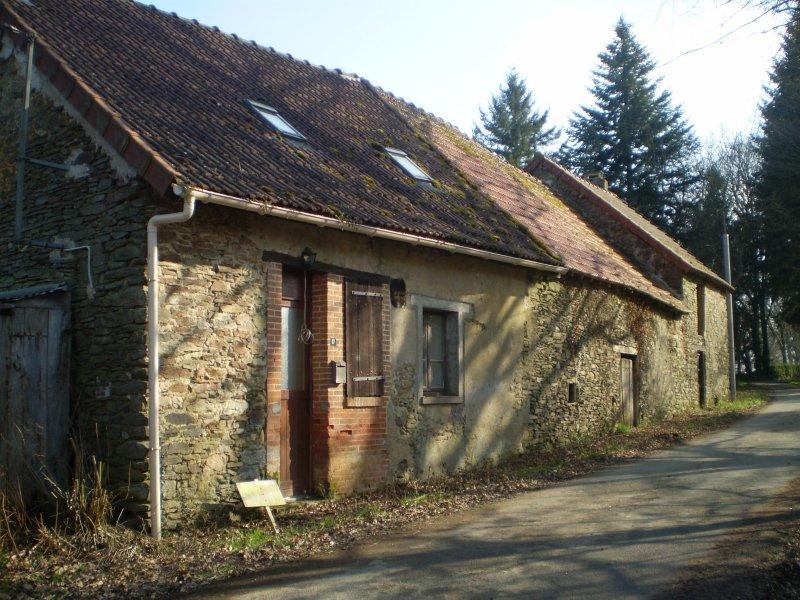 Vente maison 3 pieces de 82 m2 23160 azerables 447 for Vente bien immobilier atypique
