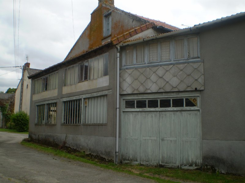 Vente maison 5 pieces de 109 m2 87160 st sulpice les for Taxe habitation garage non attenant