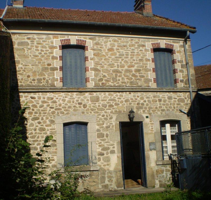 Vente maison 3 pieces de 92 m2 23210 marsac 553 maison d for Consommation fuel maison